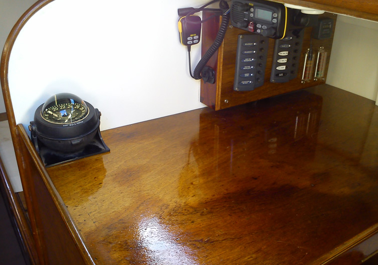 Table à cartes Katouchka